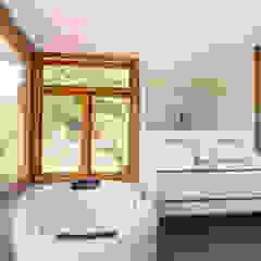 Sítio em Mairinque - Condomínio Porta do Sol Banheiros rústicos por Raissa Gogosz Interiores Rústico