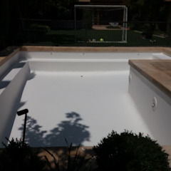 Tropical style pool by ANGLOCOLORS Tropical