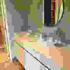 VillaSi Construcciones Modern Bathroom