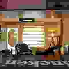 Pub na Garagem Salas multimídia ecléticas por Studio Casa Arquitetura Eclético
