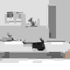 studio michael hilgers BedroomBeds & headboards Wood