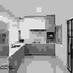Yio Chu Kang Rd by Swish Design Works Modern
