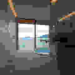 田浦の週末住宅 ミニマルスタイルの お風呂・バスルーム の RON DESIGN ミニマル