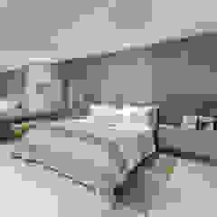 Reforma em Apartamento com toque classico e moderno, em tons claros Quartos modernos por Sônia Beltrão Arquitetura Moderno