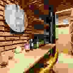 Dom drewniany Nowoczesna piwnica win od ZONA Architekci Architekt Poznań, projektowanie wnętrz Nowoczesny Cegły