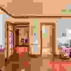 Apartamento T4 na Estrela - Lisboa Corredores, halls e escadas mediterrânicos por EU LISBOA Mediterrânico