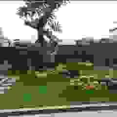 Tukang taman Surabaya -proyek Rumah tinggal Oleh Tukang Taman Surabaya - Tianggadha-art Modern Batu