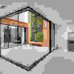 Welbeck Street by IQ Glass UK Modern Aluminium/Zinc