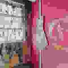 And I Wonder Espaços comerciais clássicos por Designer's Mint Studio Clássico