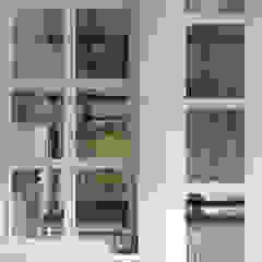 Puertas y ventanas clásicas de Caleidoscopio Architettura & Design Clásico