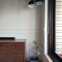 STUDIO AT DESIGN Salas de estar coloniais