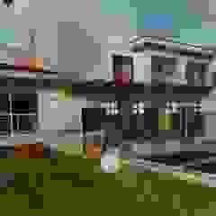 E+J Arquitectos Patios & Decks Wood Beige