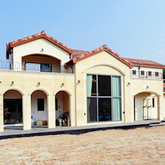 아름다운 곡선 디자인이 특징인 지중해풍 고급 주택 (전라남도 순천시) by 더존하우징 지중해