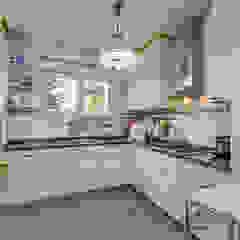 Apartamento de luxo no Monte Estoril Cozinhas clássicas por ImofoCCo - Fotografia Imobiliária Clássico