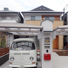 Eclectic style garage/shed by (株)独楽蔵 KOMAGURA Eclectic