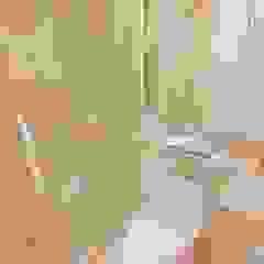 Espectacular Apartamento Club House 3 Alcobas 3 Baños 2 Garajes Baños de estilo moderno de AlejandroBroker Moderno