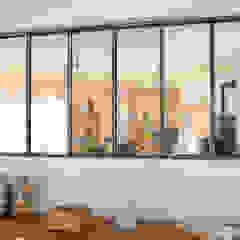 Industrial walls & floors by Atelier Supersax Industrial