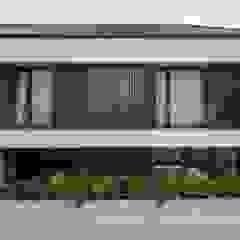 Gio House Setraduta Oleh CV Berkat Estetika Tropis Kayu Wood effect