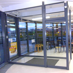 Glass porches to beautiful homes by Ion Glass Modern Glass