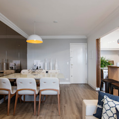 Reforma de apartamento de jovem casal Salas de jantar escandinavas por Studio Elã Escandinavo