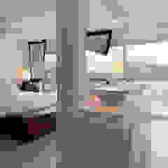 Baños de estilo moderno de Original Vision Moderno