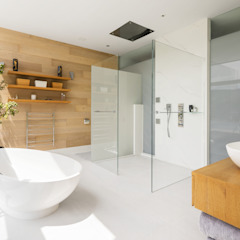 Tai Tam House Modern bathroom by Original Vision Modern