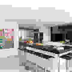 Stanley Penthouse Minimalist kitchen by Original Vision Minimalist