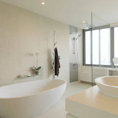 Clearwater Bay Villa Modern bathroom by Original Vision Modern