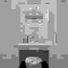 Country style dressing room by 理絲室內設計有限公司 Ris Interior Design Co., Ltd. Country