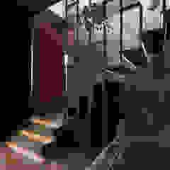 2-geschossige Maisonette in Loft Stil von ArDeStudio Modern