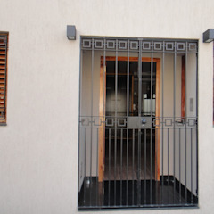 WALTZ HOUSE Pasillos, vestíbulos y escaleras modernos de GR Arquitectura Moderno Granito