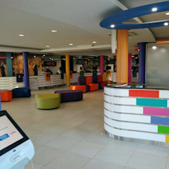 MultiChoice Nambia by Smartdesigns & Turnkey Projects PTY Ltd. Modern Wood Wood effect