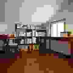 오래된멋을 아는 신혼집 단독주택 리모델링 클래식스타일 서재 / 사무실 by 주식회사 큰깃 클래식