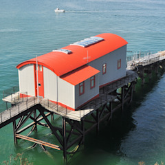 The Old Tenby Lifeboat Station de Natralight Moderno