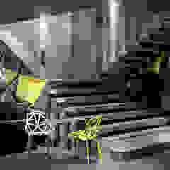Industrial style corridor, hallway and stairs by Onur Çevik Industrial پلاسٹک