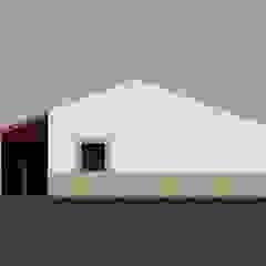 من GomesAmorim Arquitetura ريفي
