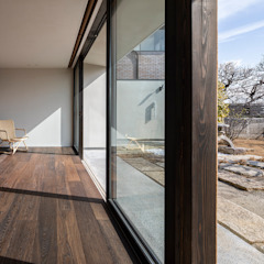 by 遠藤誠建築設計事務所(MAKOTO ENDO ARCHITECTS) Asian