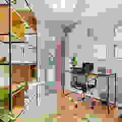 Homeoffice Estudios y bibliotecas de estilo escandinavo de Klover Escandinavo