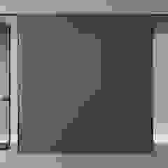 Rimadesio Zen moderne kozijnloze kamerhoge deur van Noctum Modern