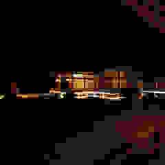 Locais de eventos asiáticos por 東京デザインパーティー 照明デザイン 特注照明器具 Asiático