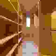 من タイラヤスヒロ建築設計事務所/yasuhiro taira architects & associates إسكندينافي خشب Wood effect