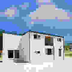 센스있는 심플함, 예쁜주택으로 by 공간제작소(주) 모던 세라믹