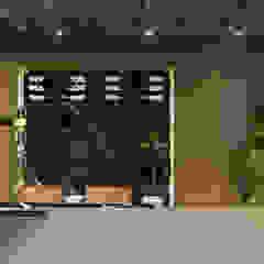 by Maicon Ramos arquitetura Minimalist Marble