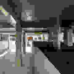 by 建築設計事務所 可児公一植美雪/KANIUE ARCHITECTS Modern مضبوط کیا گیا کنکریٹ