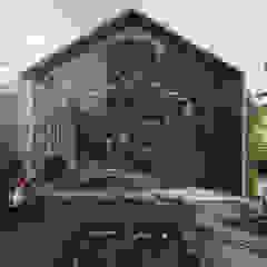 Śródziemnomorskie okna i drzwi od Architet Studio Śródziemnomorski Aluminium/Cynk