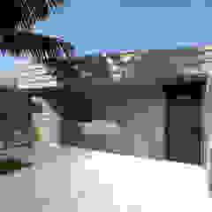 Wall House por Limit Studio Moderno Betão armado