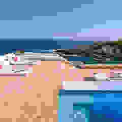 Hồ bơi phong cách Địa Trung Hải bởi Estatiba construcción, decoración y reformas en Ibiza y Valencia Địa Trung Hải