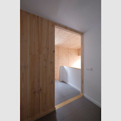 by LaBoqueria Taller d'Arquitectura i Disseny Industrial Industrial لکڑی Wood effect
