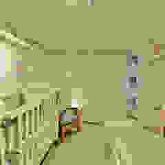 Quarto Bebê por Denise Friedmann Arquitetura e Interiores Minimalista