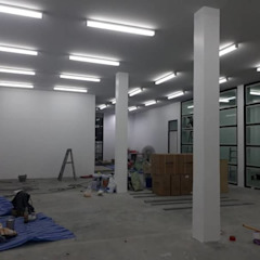 renovate offic โดย somsou87 โมเดิร์น